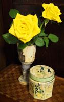 バラとブロカント缶