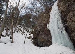 手白澤・凍滝